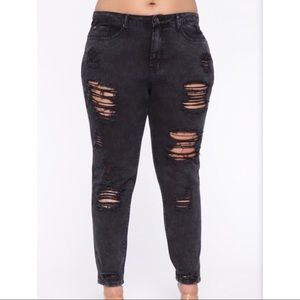 Fashion Nova distressed skinny jean